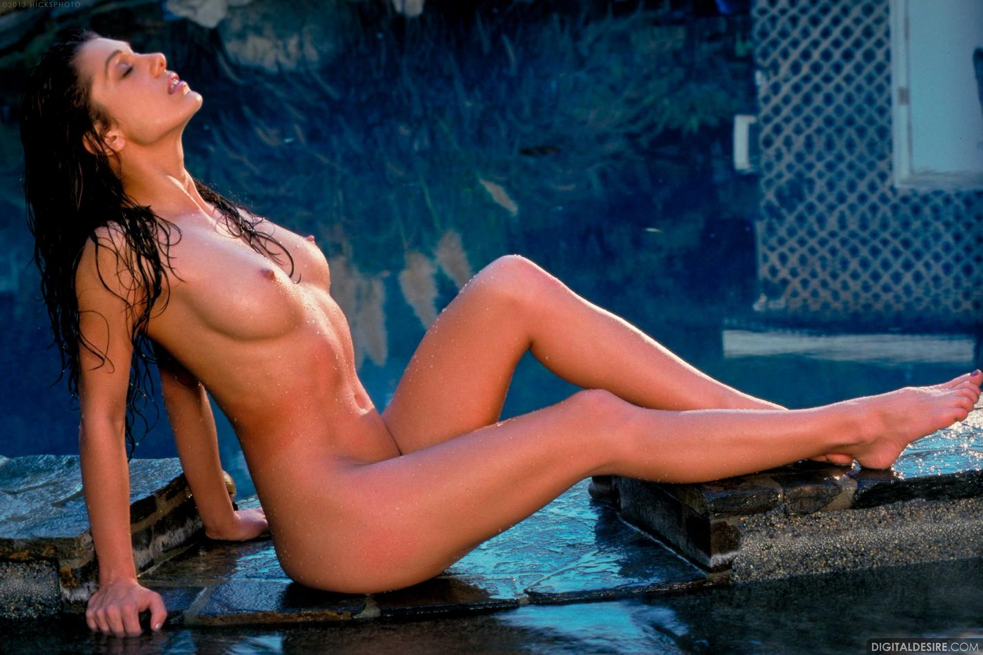 Isabella Nude 95