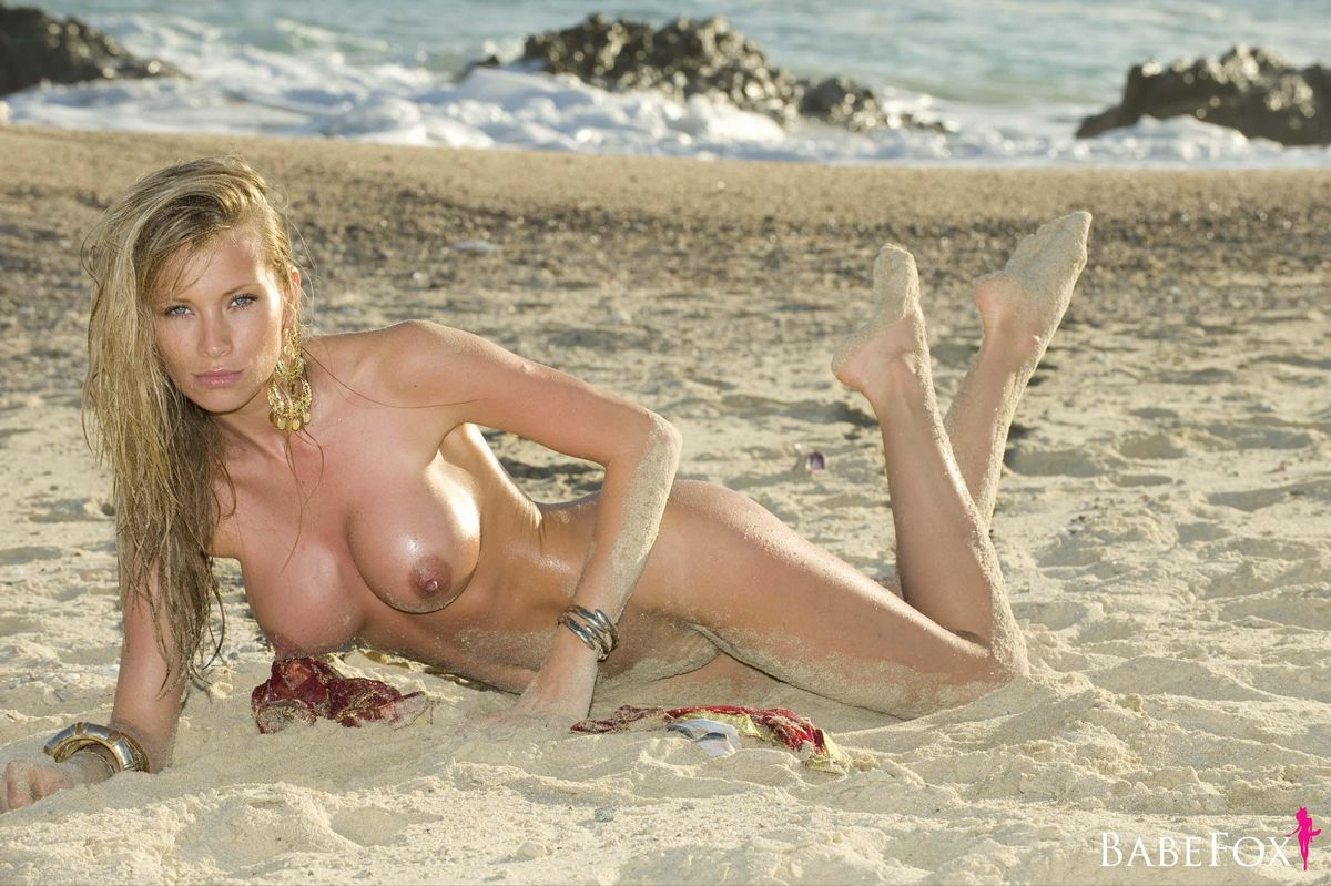 Natalie Denning Nude 40