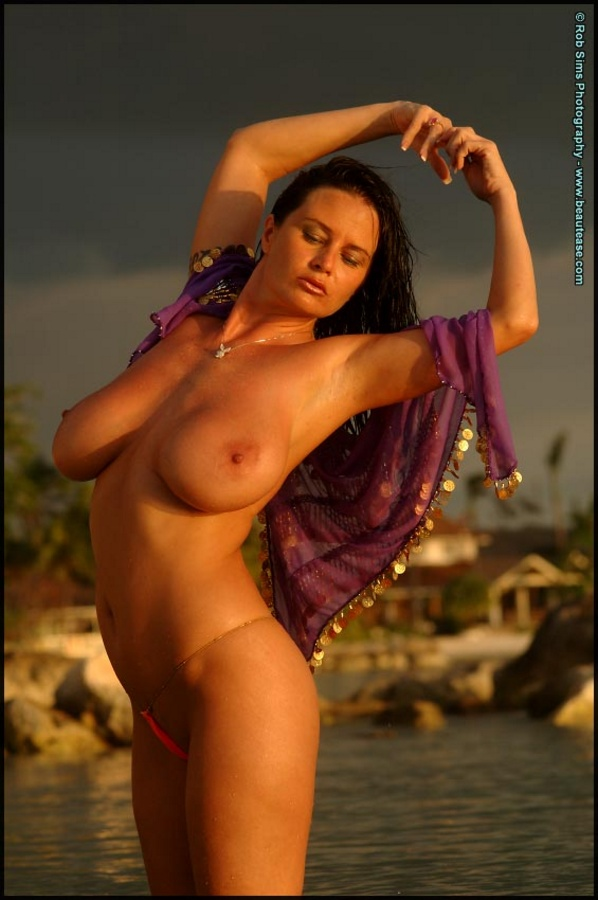 Authoritative taylor kennedy model topless topic assured