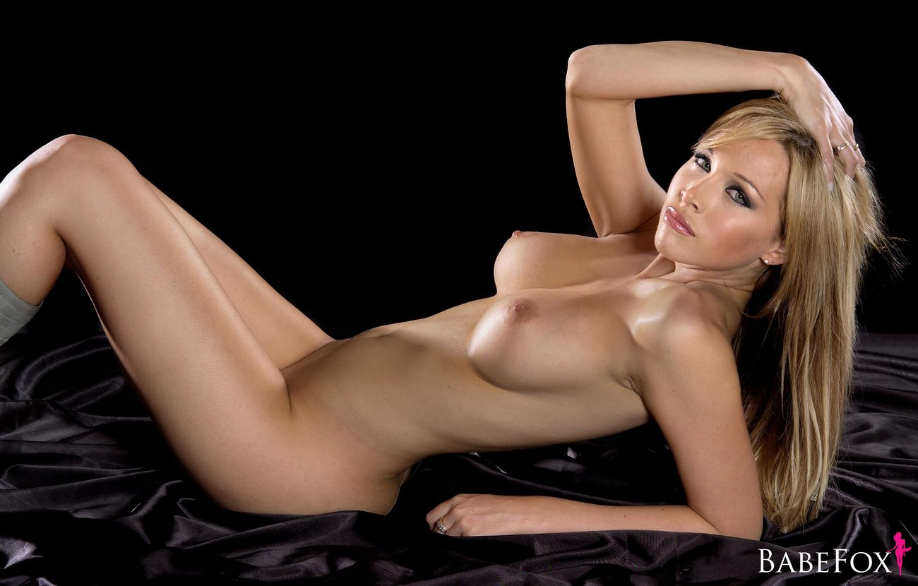 Nude girlfriend pic of the day